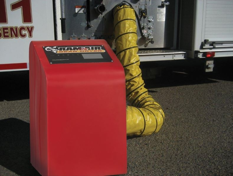 Blower with pumper connection